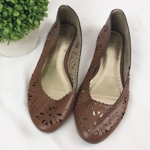 GAP leather perforated scalloped edge flats